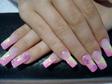 Francia végű, pink csillámmal díszített műköröm